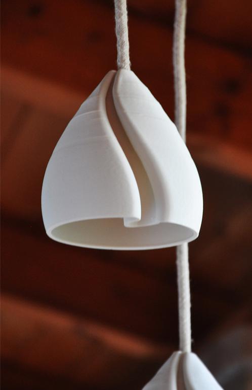particolare lampada a sospensione stampata in 3D spenta