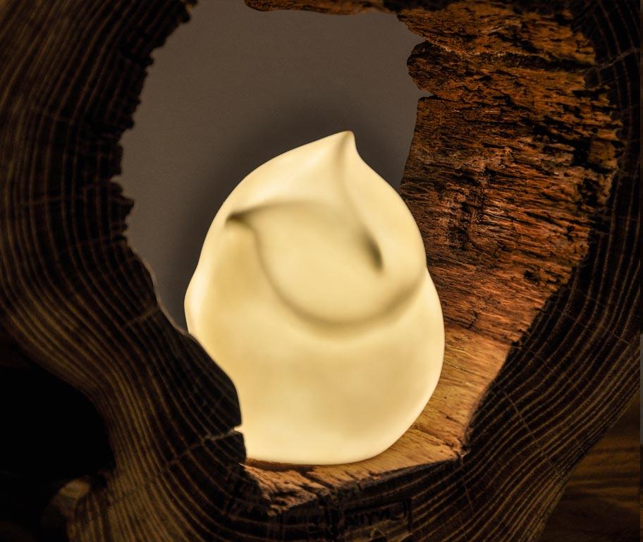 particolare lampada a forma di gufo