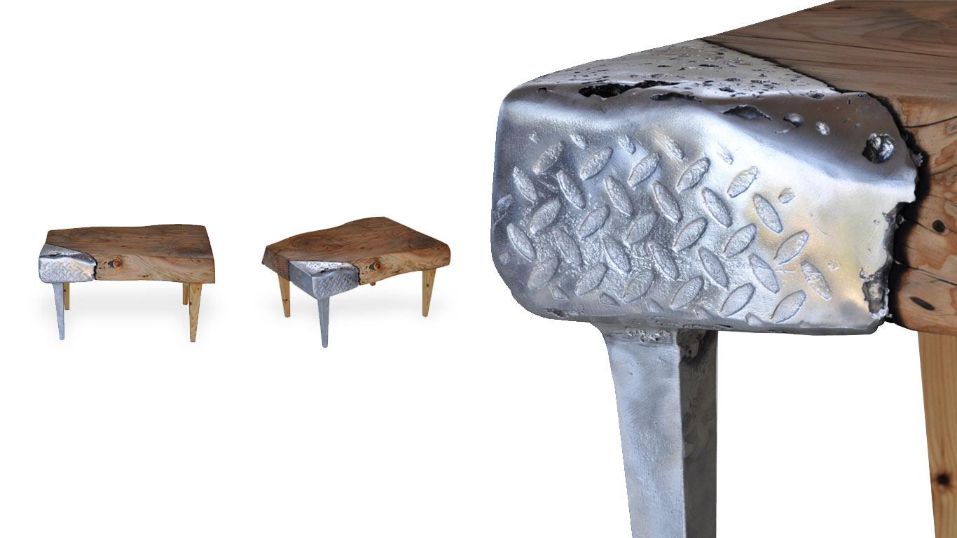 particolare del tavolino in legno e alluminio Mercurio