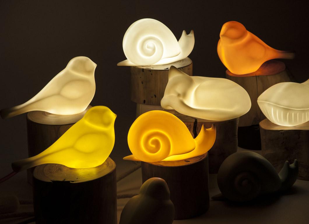 Lampada da tavolo in legno e porcellana daimon livyng for Livyng ecodesign