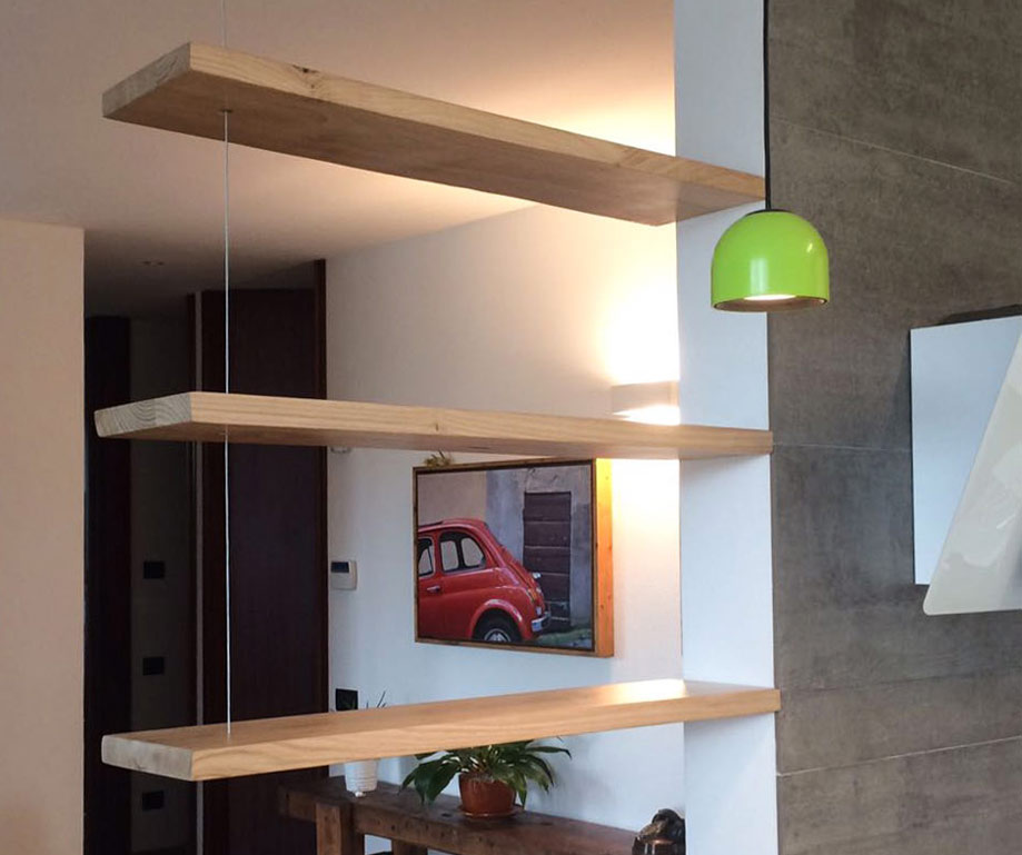 Libreria sospesa a soffitto in legno massello livyng for Livyng ecodesign