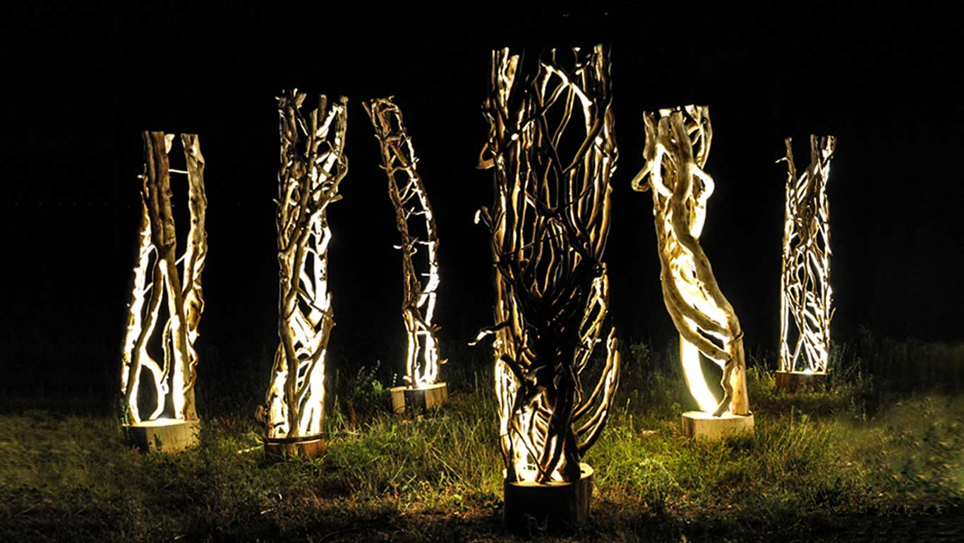 panoramica lampade da terra in legno Kenosi