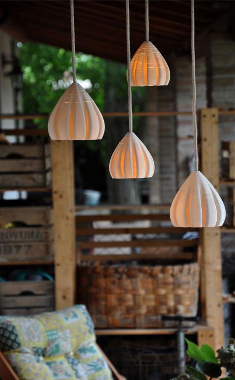 lampade a sospensione in porcellana, gruppo da quattro
